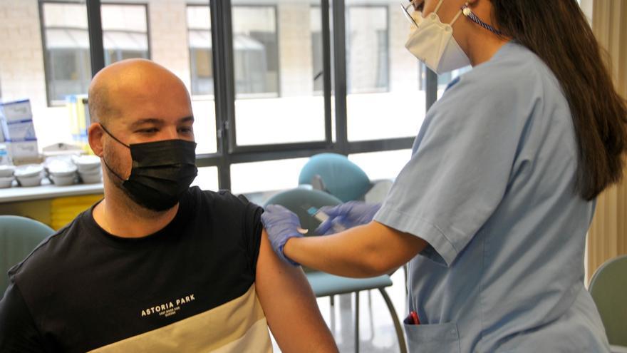 Sanidad reorganiza a partir de este miércoles los puntos de vacunación de Gran Canaria y Tenerife