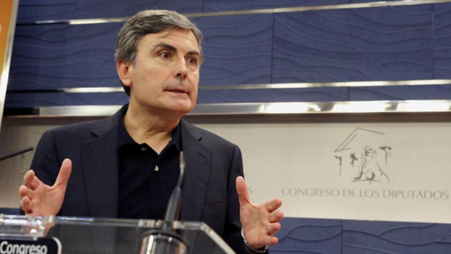 El PSOE exige la dimisión inmediata de Montoro