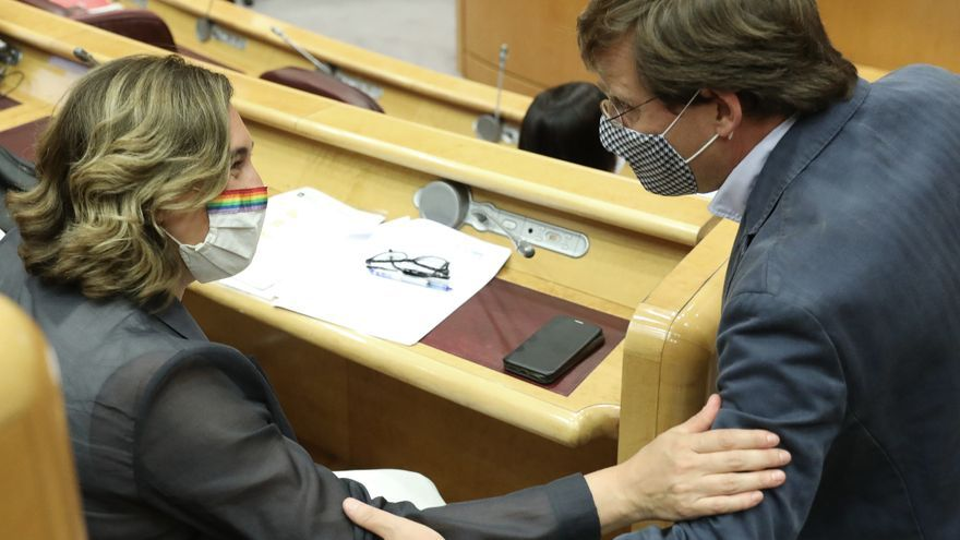 Almeida y Colau, entre los alcaldes que más cobraron en 2020