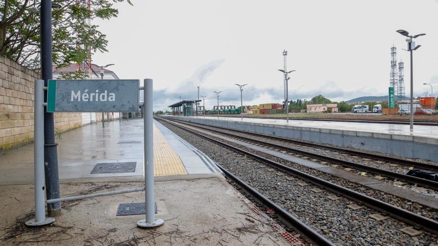 """Osuna pide a la Junta que la terminal de Expacio Mérida se licite """"lo antes posible"""""""