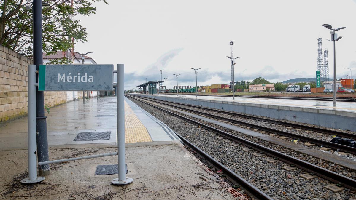 Estación de tren de Mérida gestionada por Adif.