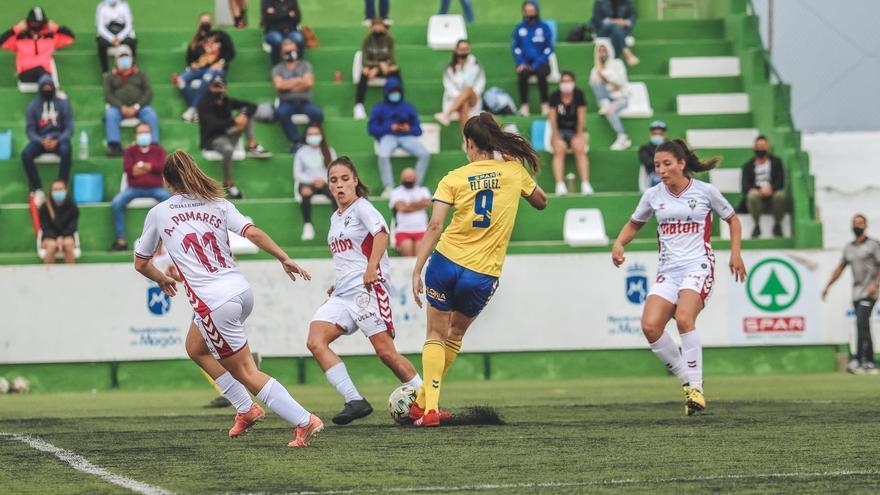 El Femarguín Spar Gran Canaria suma en Valencia su primer punto foráneo
