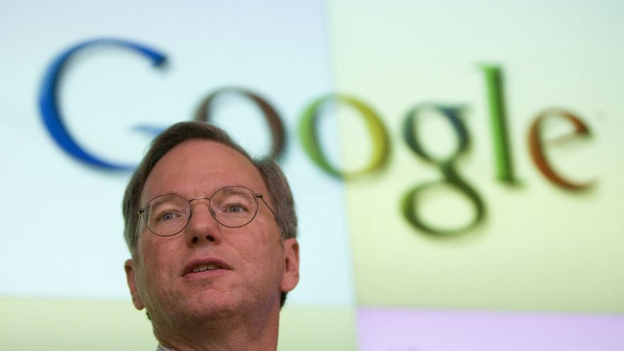 Eric Schmidt, antiguo CEO de Google, de paseo por Mallorca
