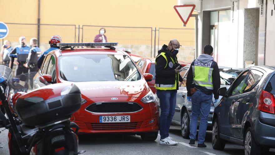 Los agentes disparan contra un hombre armado con un hacha en Gijón