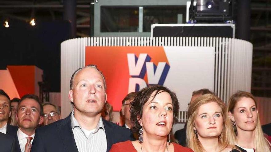 El 'premier' holandés Rutte derrota al ultra Wilders, según los sondeos a pie de urna