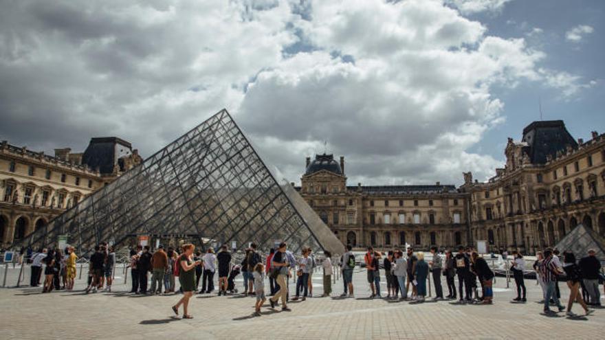 El Louvre reabre sus puertas con menos de una cuarta parte de sus visitantes