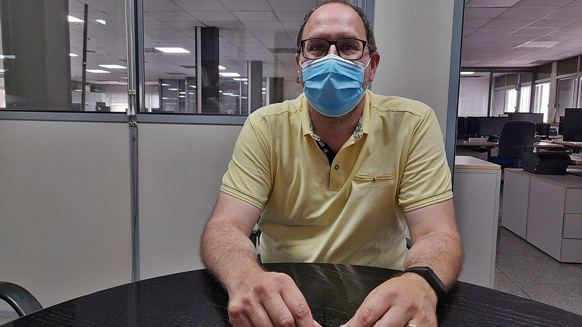Manuel de Prado, enfermero del centro Tenerife II. | | E. D.