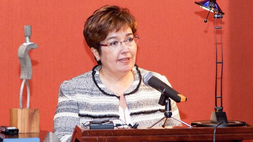 La catedrática de la ULL Dolores Corbella, candidata a la silla 'i' de la Real Academia Española