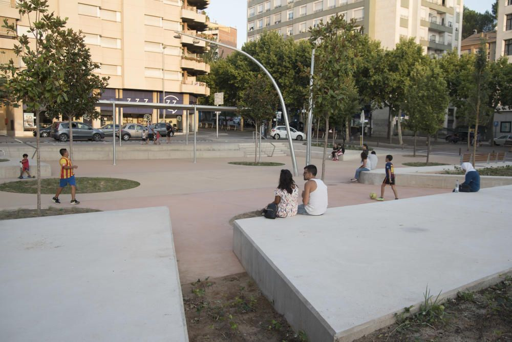 Manresa comença a fer-se seva la nova plaça Simeó Selga