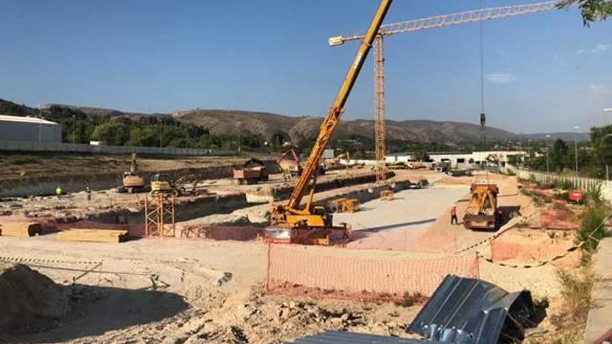 Las obras del hospital de Ontinyent fijan la estructura para levantar ya el edificio