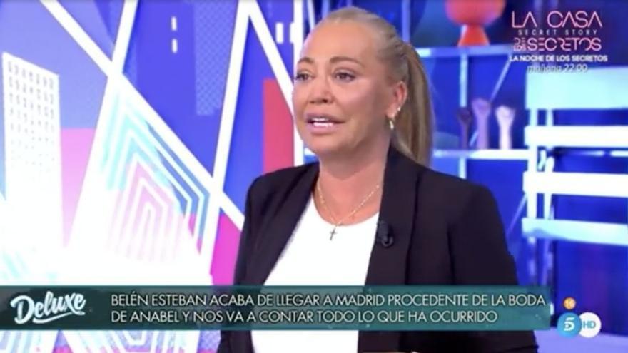 """Jorge Javier bromea en el 'Deluxe' con el estado de Belén Esteban tras la boda de Anabel: """"Esta silla es para Belén o lo que quede de ella"""""""