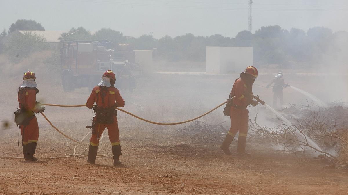 Más de 200 avisos por incendios de matorrales en la primera quincena de agosto