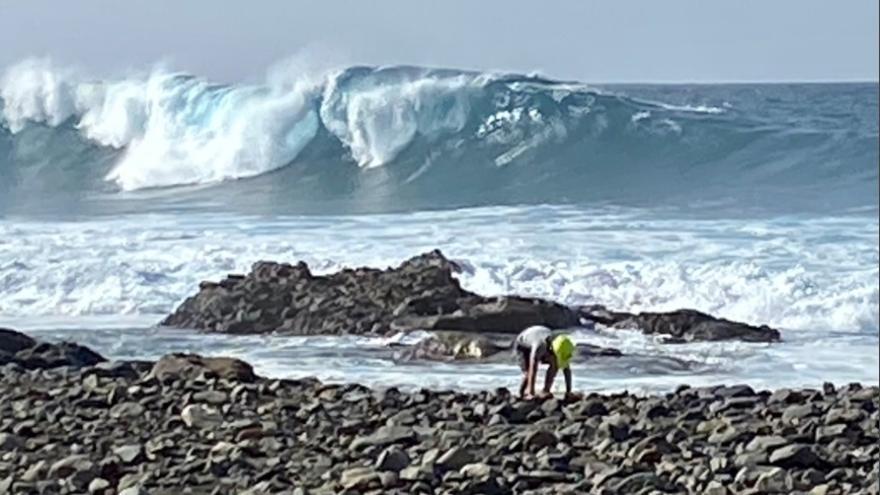 Recuperan el cadáver de un hombre ahogado en aguas de La Oliva, Fuerteventura