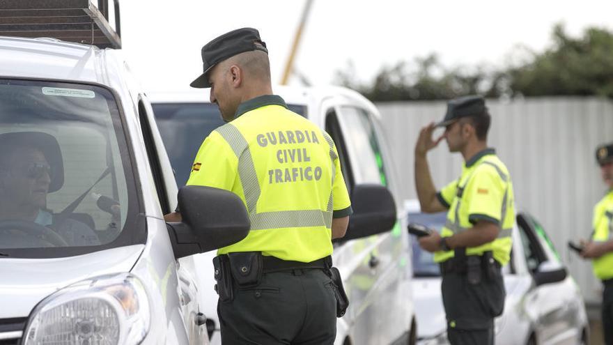 Guardias civiles denuncian que no se aísle a agentes a los que tosió un contagiado