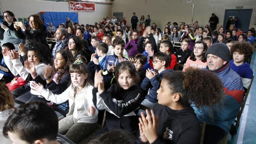 El pabellón deportivo del colegio Cervantes precisa mejoras, avisa Ciudadanos