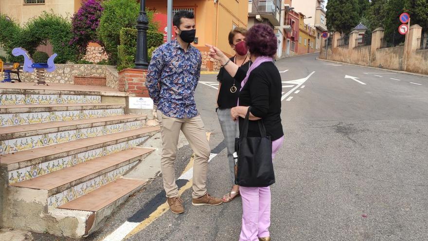 Falomir saca el despacho a la calle para dar voz a los vecinos de l'Alcora