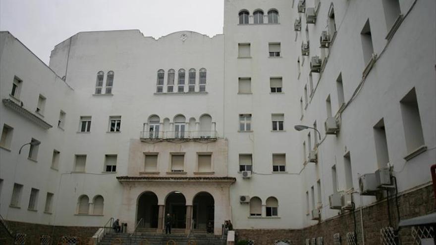 CCOO reclama la puesta en valor del hospital de Los Morales ante la falta de espacio en el Reina Sofía