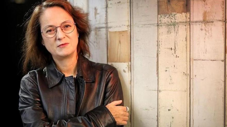 """Marta Sanz: """"Escribo sobre cómo siguen corroyendo losóxidos del franquismo"""""""