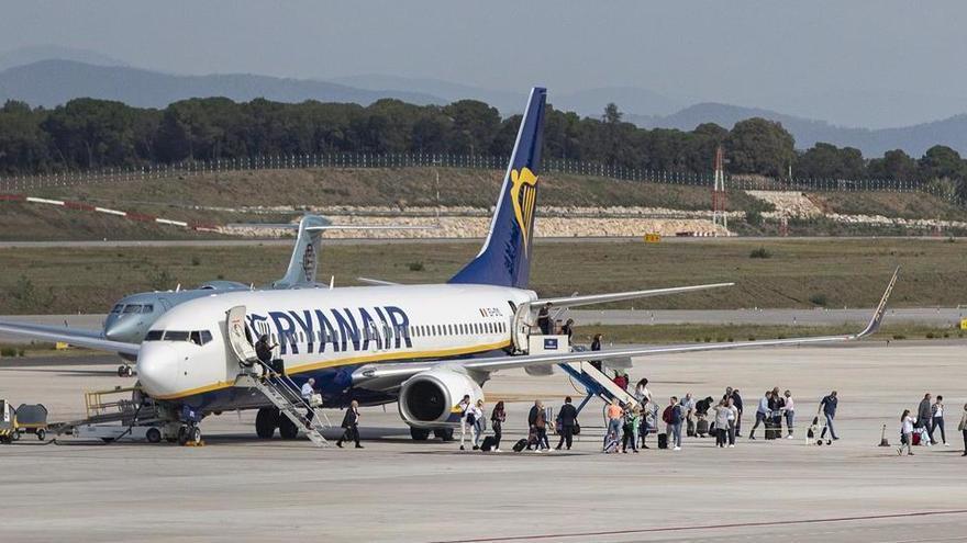 L'activitat estiuenca de l'aeroport, en l'aire fins al juny