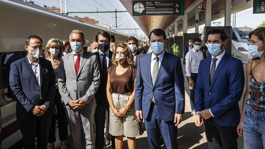 """Mañueco apuesta por """"aprovechar"""" la Alta Velocidad para atraer empresas a Sanabria"""