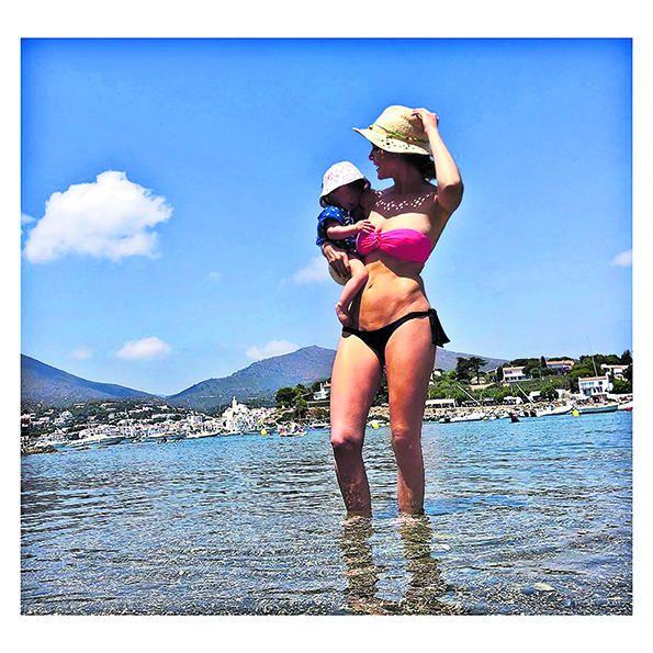 L'actriu Natalia Sanchez i la seva filla.