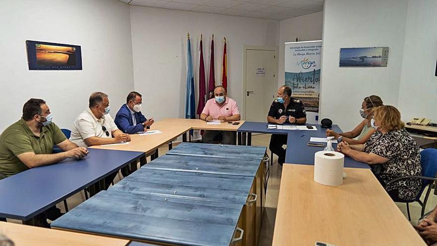 El Consistorio pide más policía para evitar el botelleo en La Manga