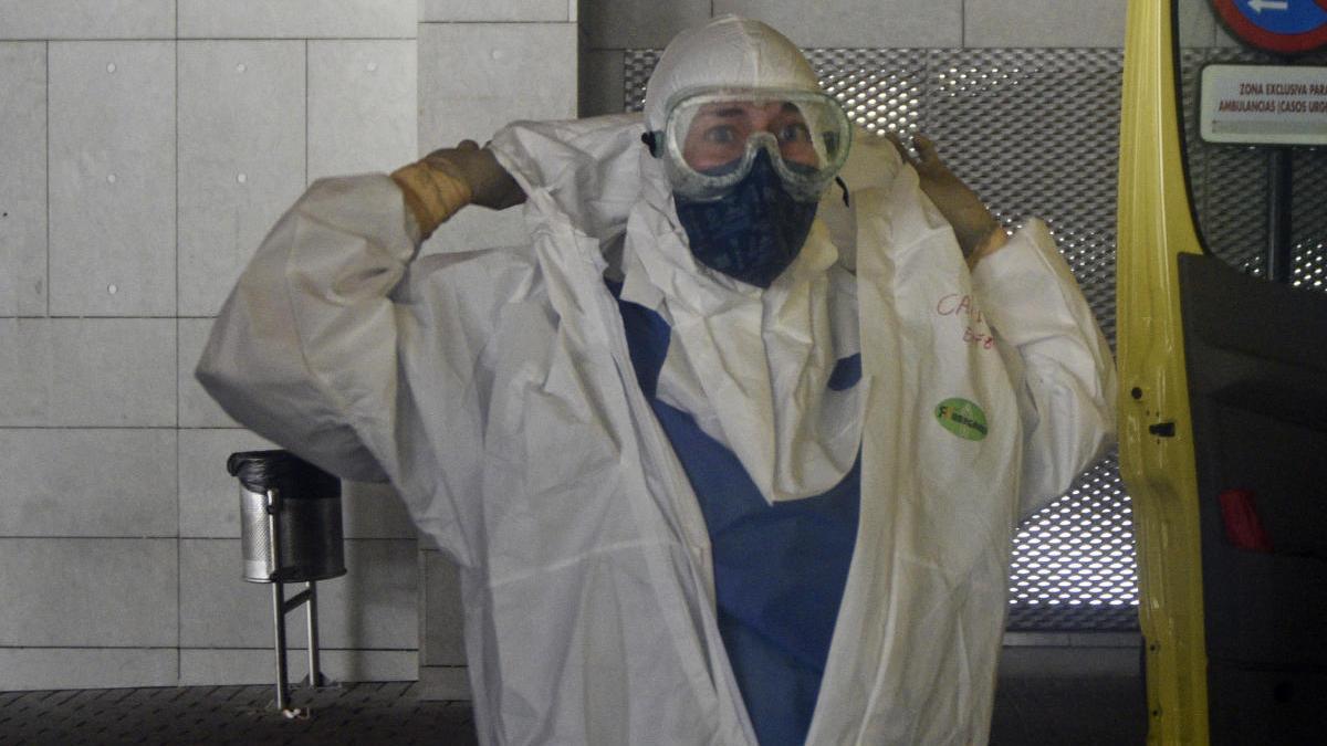 Así es trabajar en una UCI de la Región en plena pandemia de coronavirus