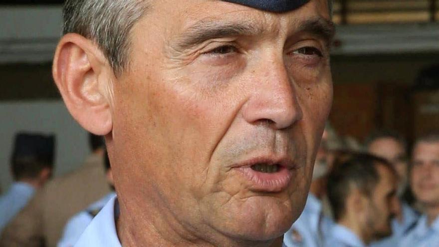 El jefe de la cúpula militar dice que las opiniones de exmilitares no representan al Ejército