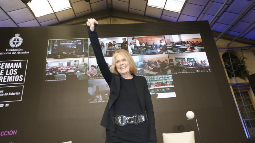 """Gloria Steinem, a los jóvenes: """"El feminismo es añadir a la mitad femenina de la población a la democracia"""""""
