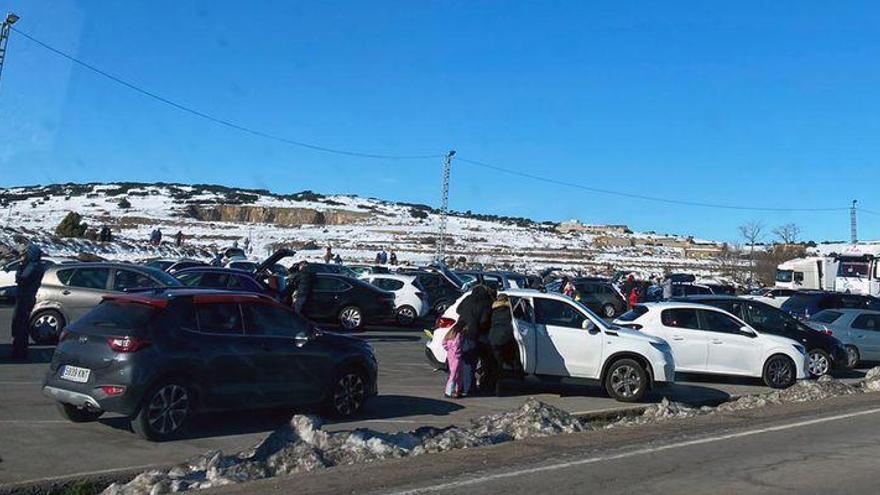 Barracas vuelve a llenarse de 'domingueros' para ver la nieve
