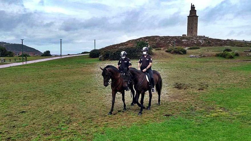 Patrulla a caballo por la Torre y San Pedro