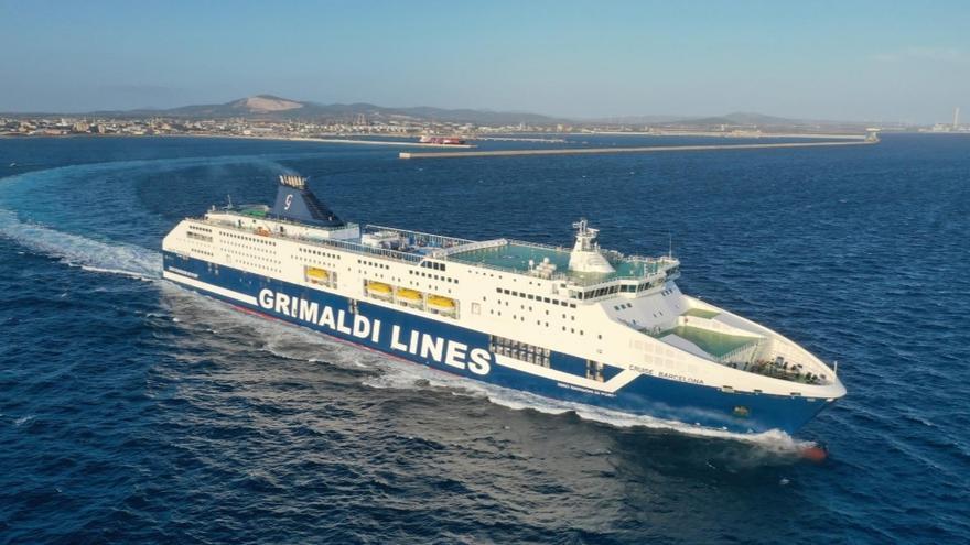 Grimaldi compra a Armas Trasmediterránea buques, terminales y almacenes y derechos de explotación en rutas con Baleares