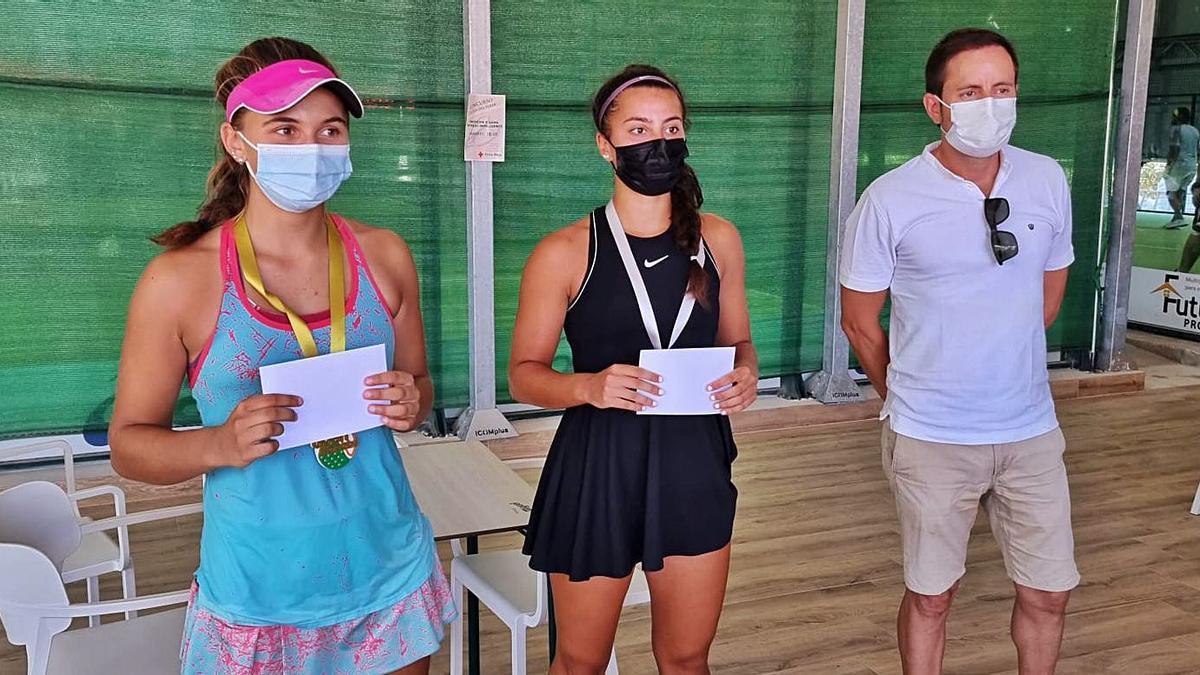 Isabella Righi y Paula Cabrer repitieron la final disputada la semana anterior en Ciutadella.   FTIB