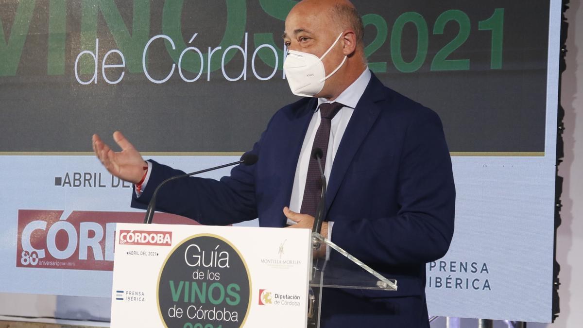 Antonio Ruiz, en el acto de presentación de la Guía de los Vinos de Córdoba.