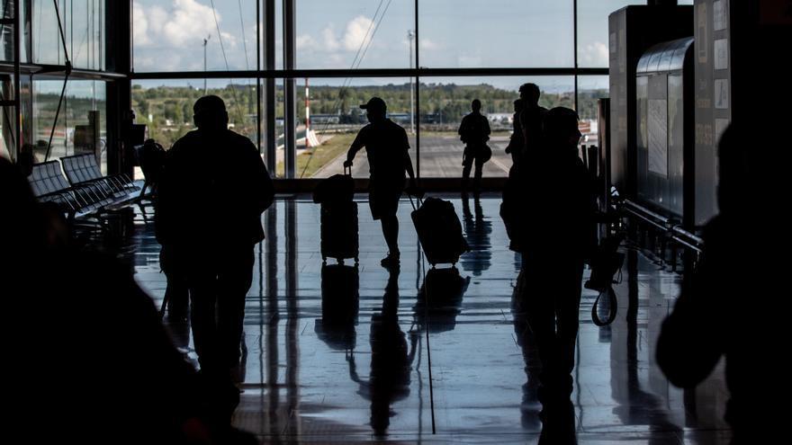 """Francia desaconseja """"rotundamente"""" viajar a España por motivos de ocio"""