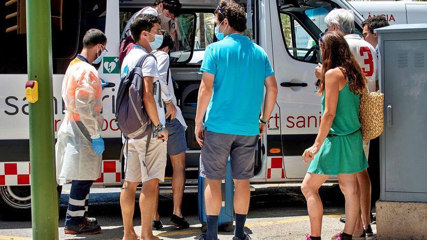 La Catalunya Central suma 71 alumnes contagiats en viatges de final de curs