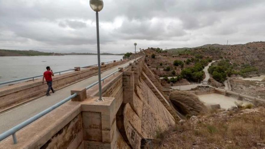 El Segura seguirá recibiendo desde Santomera hasta finales de mes agua muy salina no apta para regar