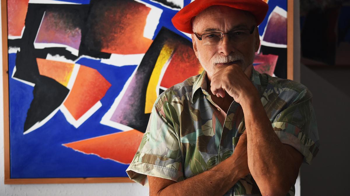 El artista Felipe Iguiñiz