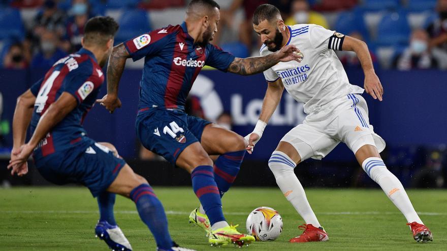 Levante y Real Madrid empatan a tres en un choque frenético