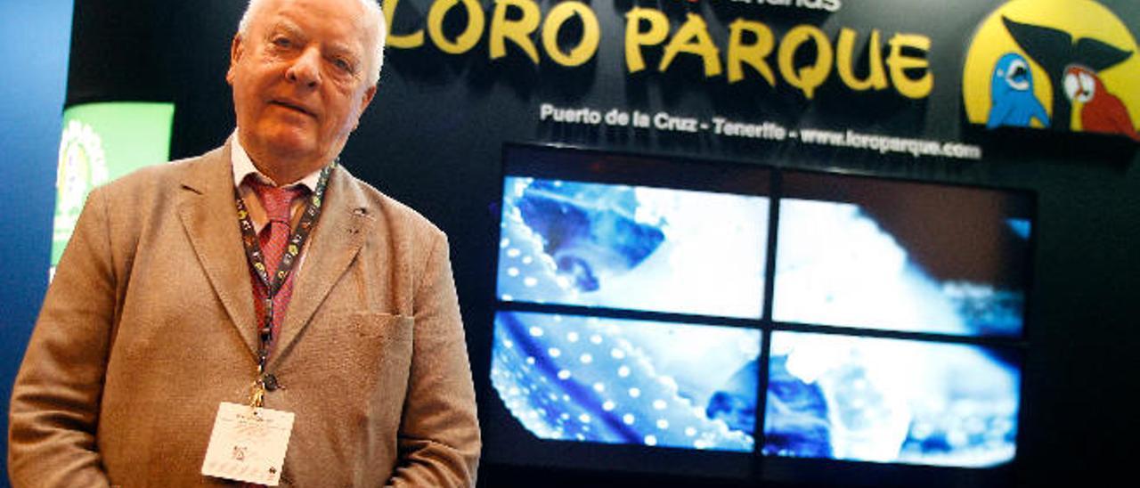 Wolfgang Kiessling, promotor del parque acuático de El Veril, en la feria de turismo de Madrid.