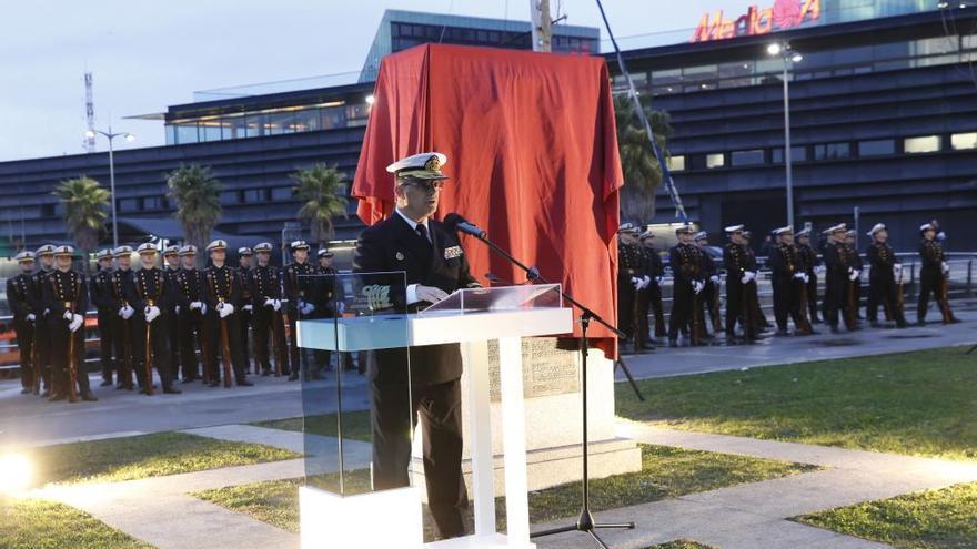 Monolito de honor a la hazaña de Magallanes y Elcano