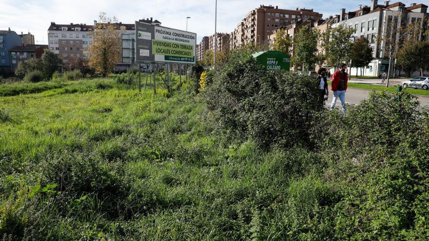 Gijón acumula 269 solares y parcelas abandonadas, alguna desde el año 2013