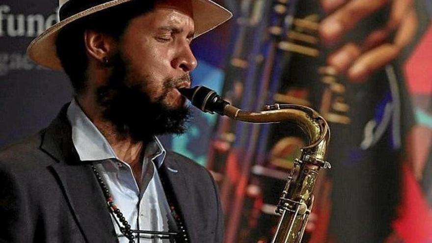 """""""El jazz no tiene complejo de mezclarse con otros géneros"""""""