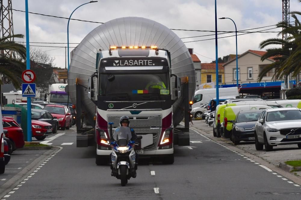 Un transporte especial llega a Estrella Galicia