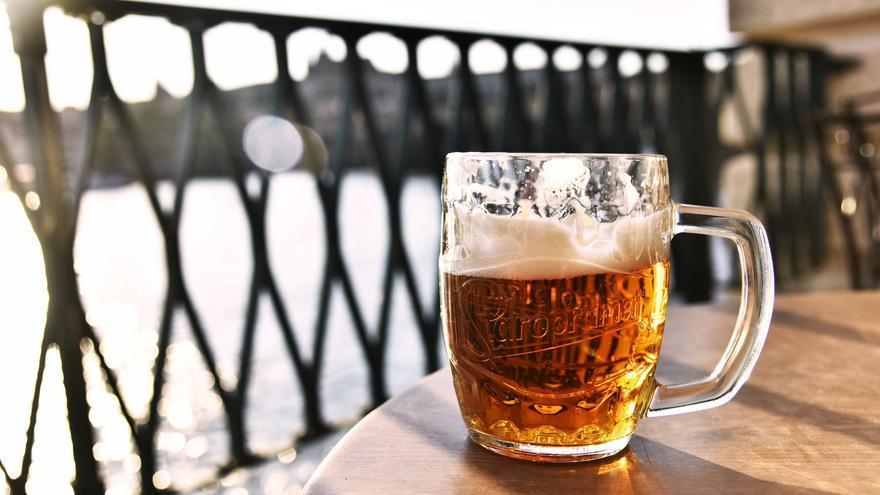 """""""Dejé de beber cerveza de lunes a viernes y esto es lo que le pasó a mi cuerpo"""": cómo perder peso en poco tiempo"""