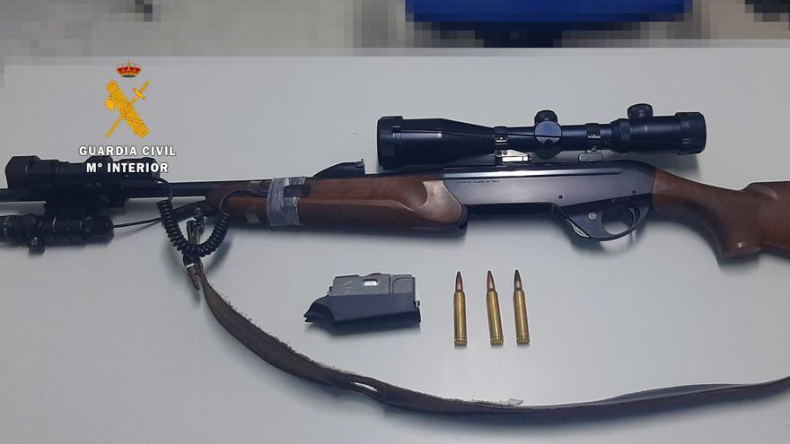 La Guardia Civil interviene de madrugada un rife de caza del calibre 300 en un pueblo de Zamora