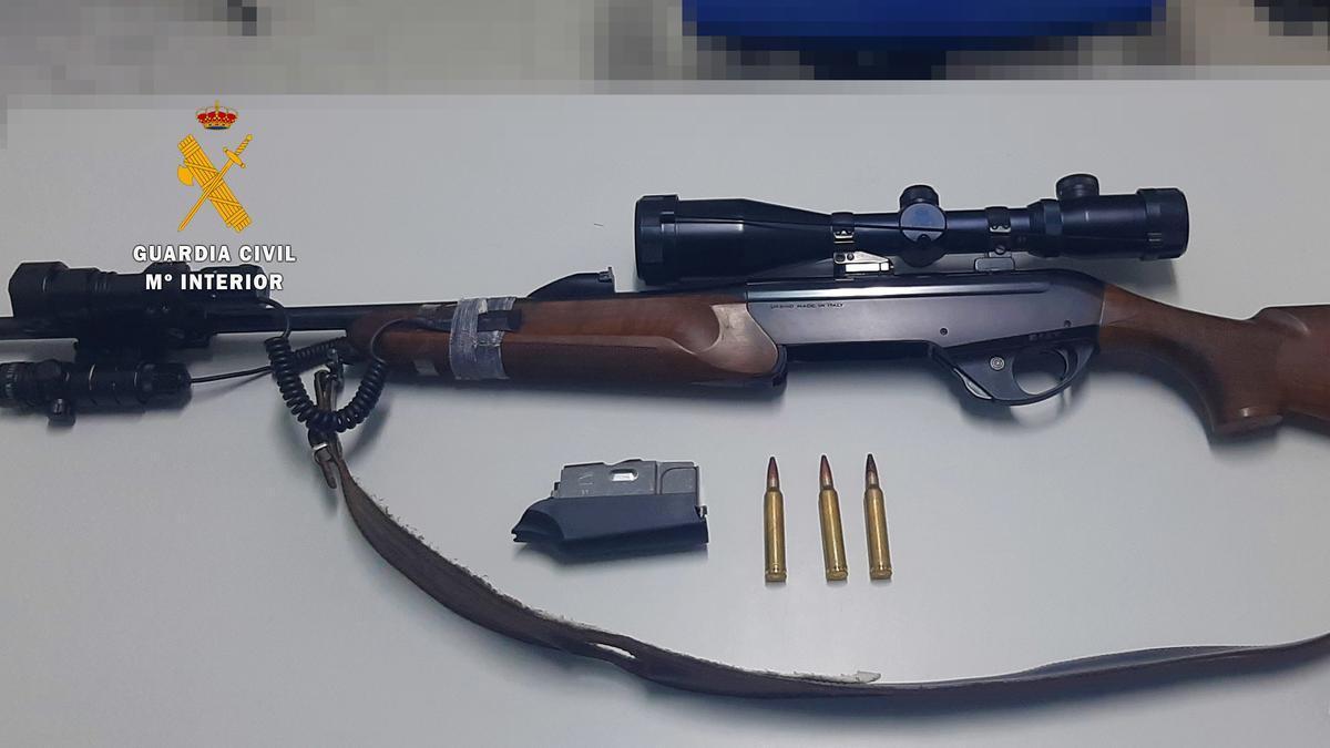 Rifle intervenido.