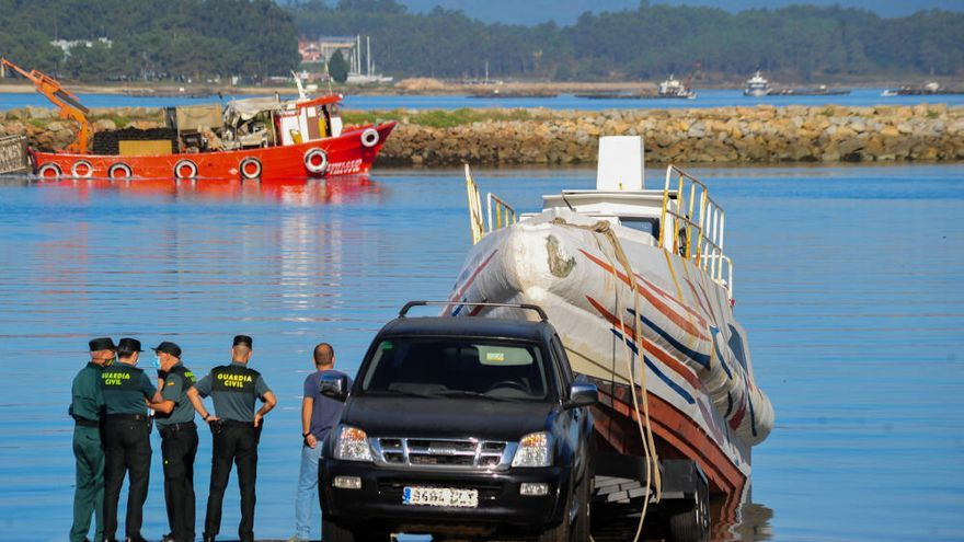 La Guardia Civil intercepta una narcolancha en el puerto de Vilanova