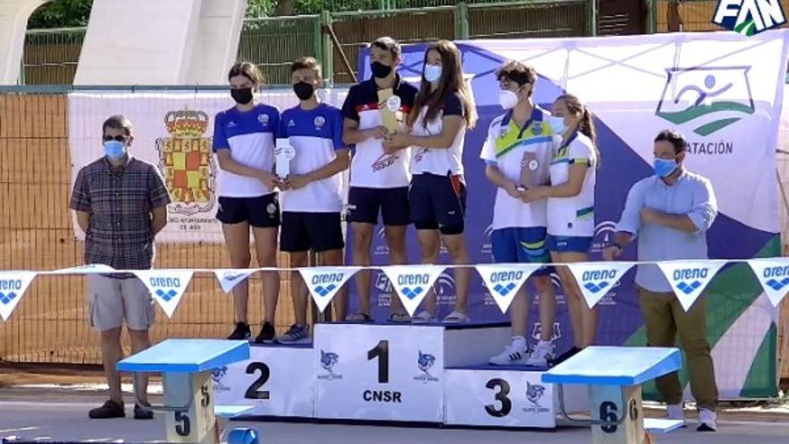El Navial conquista el triunfo en el campeonato andaluz infantil de natación