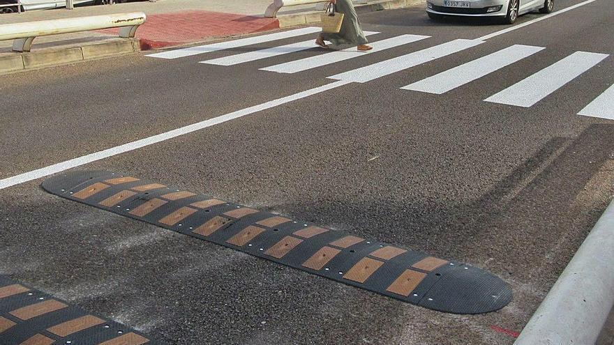 Burjassot mejora la movilidad y seguridad en la pasarela de las Jacarandas